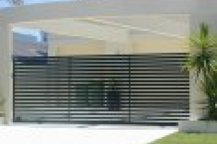 Pool Fencing Chainlink fencing 720 480